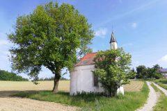 Kapelle kurz vor Wald